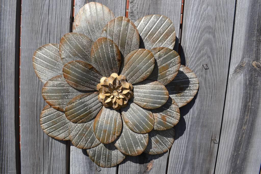Rustic Silver Wall Flower