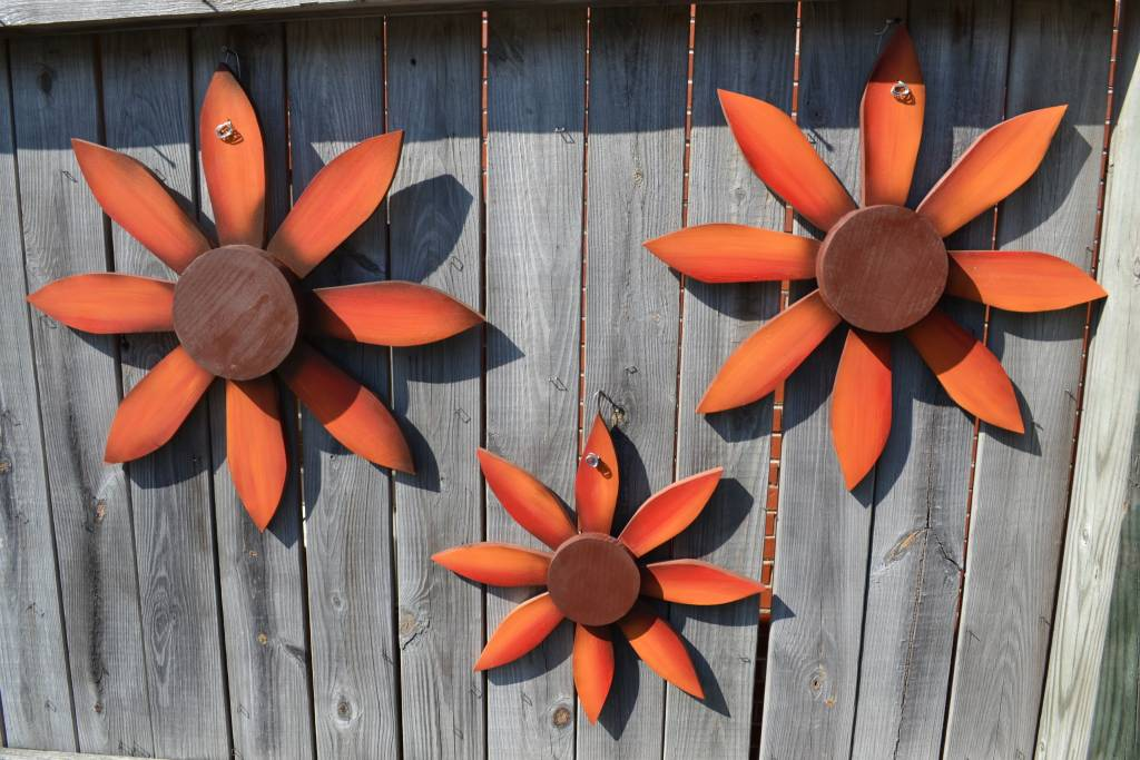 Red Wooden Wall Flower