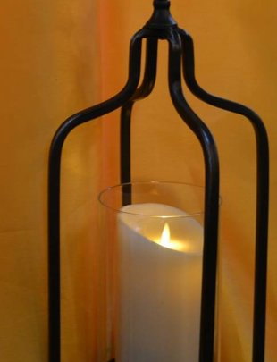 Pulley Mounted Flameless Candle Holder