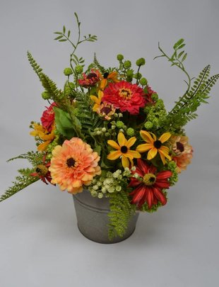 Farmhouse Zinnia Arrangement