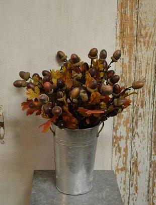 Twig Acorn Leaf Pick