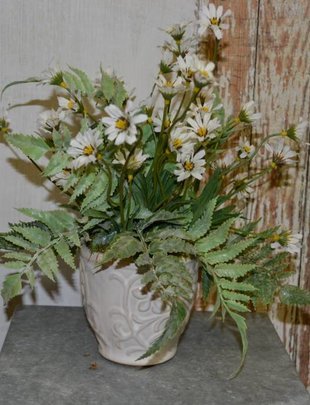 Custom Daisy Arrangement with Light Forest Fern