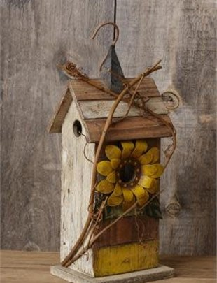Distressed Birdhouse with Sunflower