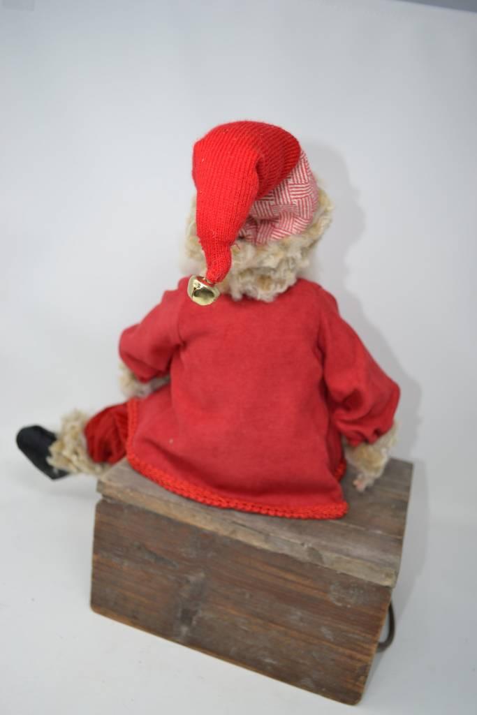 "22"" Rustic Red Suit Santa"