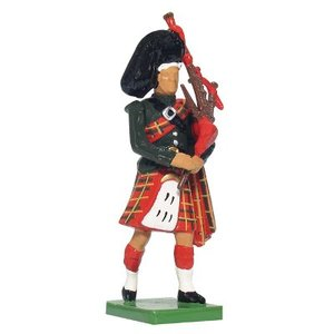 W. Britain 41070 - W. Britain Black Watch Piper
