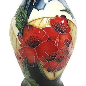 Moorcroft Pottery Moorcroft Forever England Vase 226/7