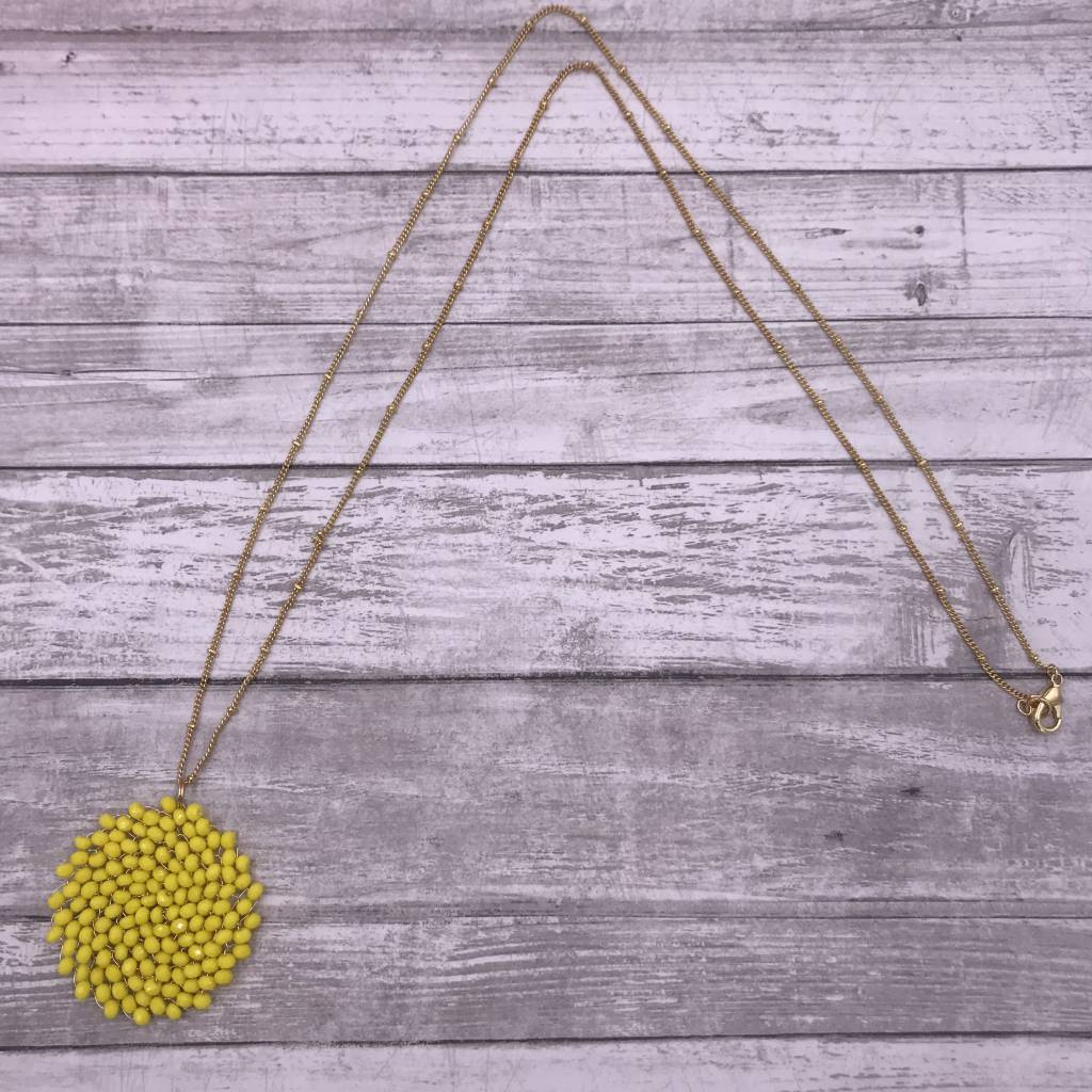 "32"" Yellow Circle Beaded Wire Pendant on a Gold Chain"