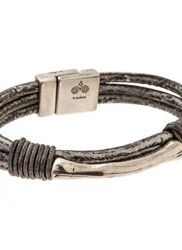 Trades Silver And Black Leather Bracelet With Silver Metal Bar