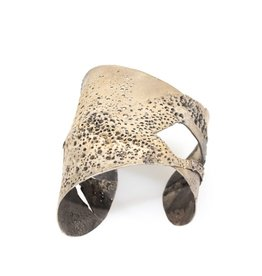 Cuff Bracelet with Grey Diamonds in Patinated Silver
