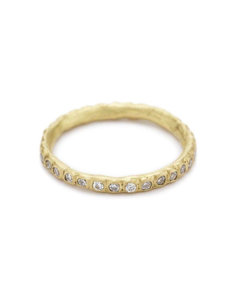 Diamond Eternity Band with White Diamonds in 18k Yellow Gold