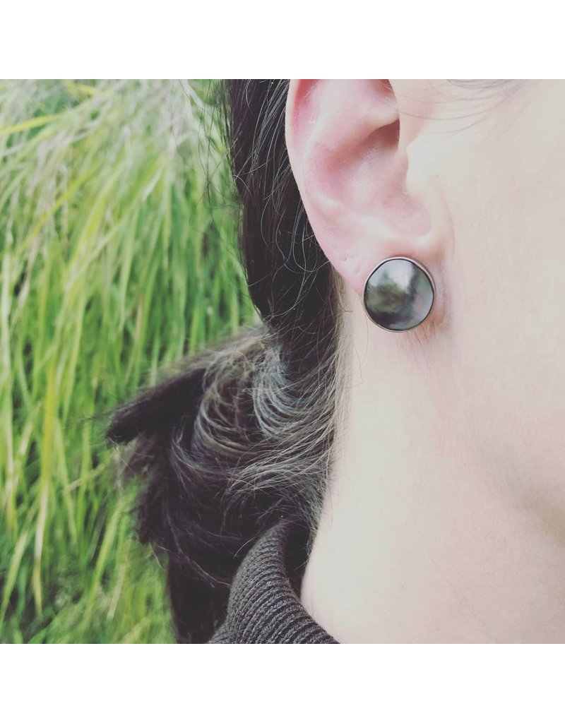 Mabe Pearl Post Earrings in 18k White Gold