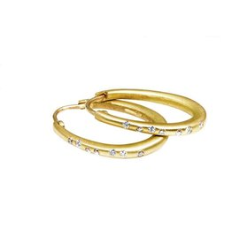 Oval Hoop Earrings with White Diamonds in 18k Yellow Gold