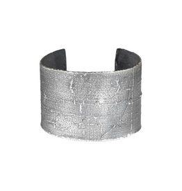 Wide Heavy Silk Textured Cuff in Oxidized Silver