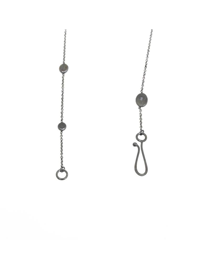 Short Koburi Chain Necklace with 1 Gold Dot