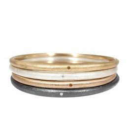 Sand Textured Tapered Bangle with 1.8mm White Diamond
