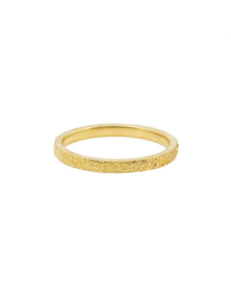 Rounded Slim Sand Band in 18k Yellow Gold