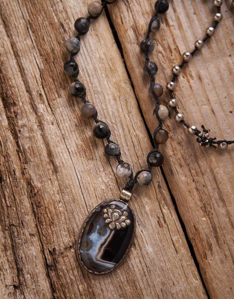 JONAS & MUSE Agate Pendant Necklace