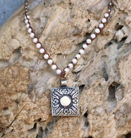 JONAS & MUSE Tibetan Pendant Pearl Necklace