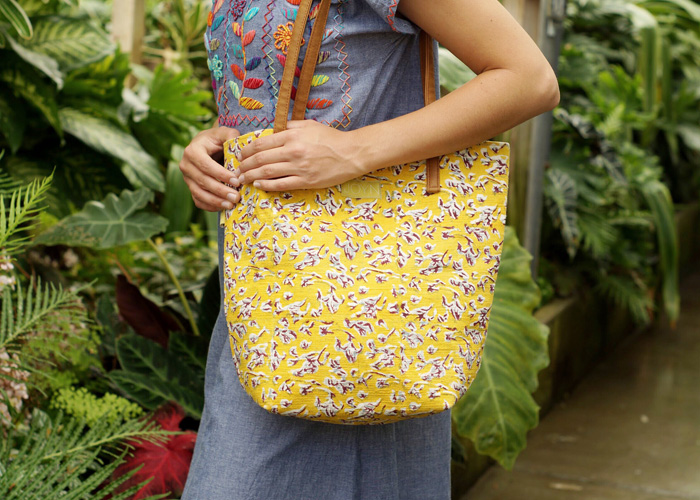 This tote is part of our collection of vegan bags.