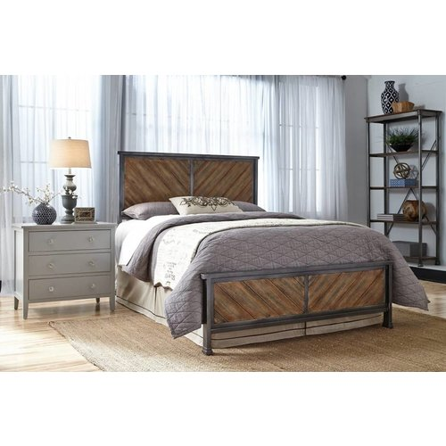 Fashion Bed Group Braden Complete Bed - Queen