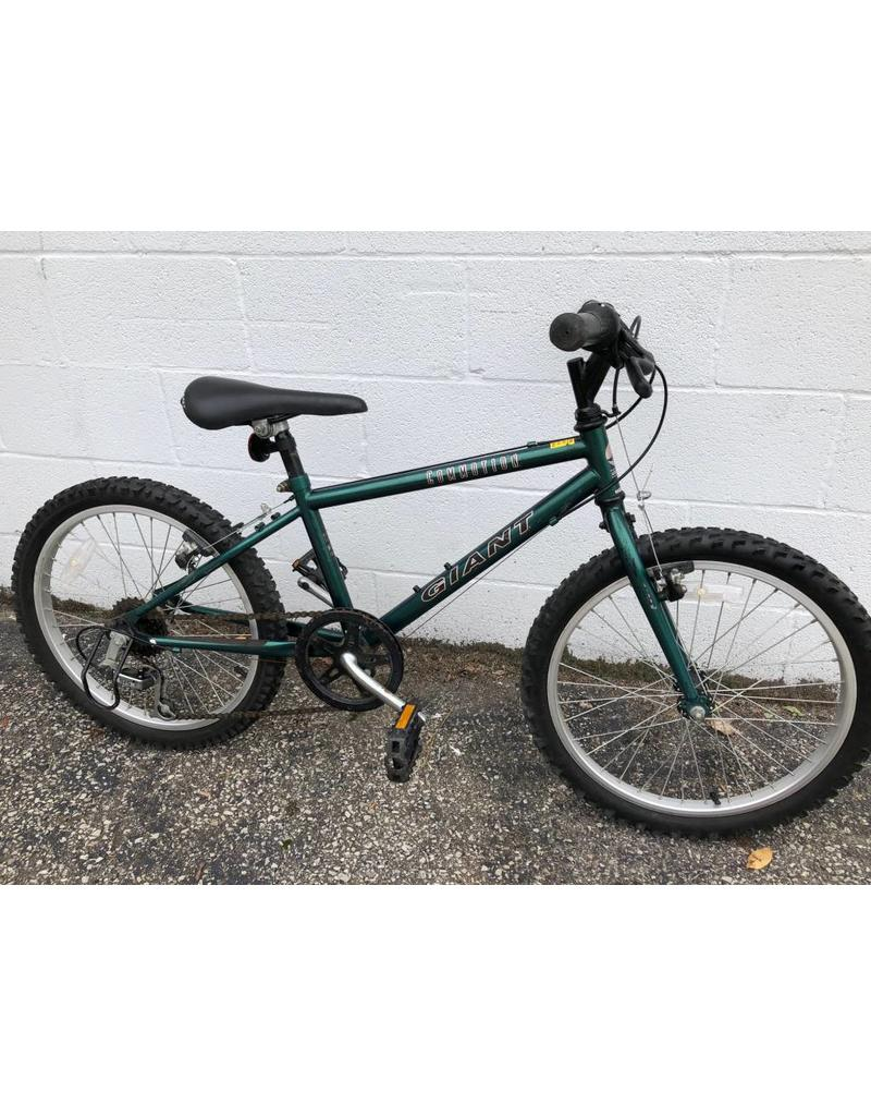 """Giant PRE-OWNED GIANT COMMOTION 20"""" MTB"""