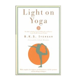 Light On Yoga: B.K.S. Iyengar (200 TT)