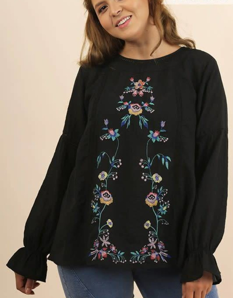 UMGEE EVERLY Plus Size Embroidered Top