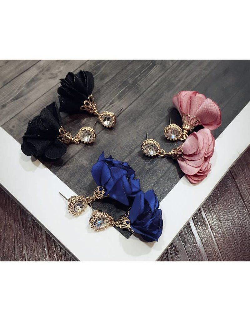 CHIC Petal Earring