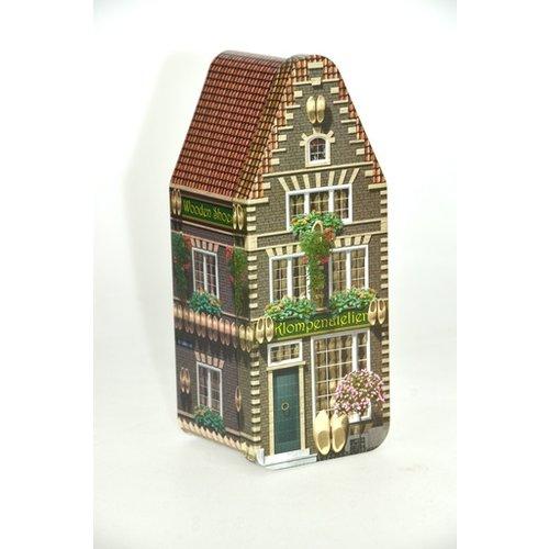Klompenhuisje - Wooden shoe store empty tin