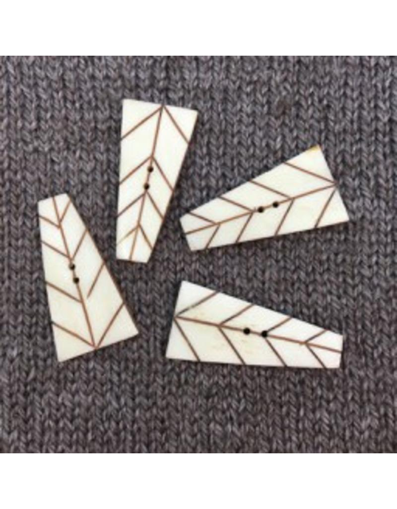 """Art of Yarn *Buttons - Carved Bone Rectangle 1 1/2"""", 4cm"""