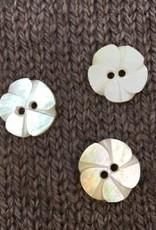 Art of Yarn *Buttons - MOP, Flower Shaped 5/8, 1.5cm