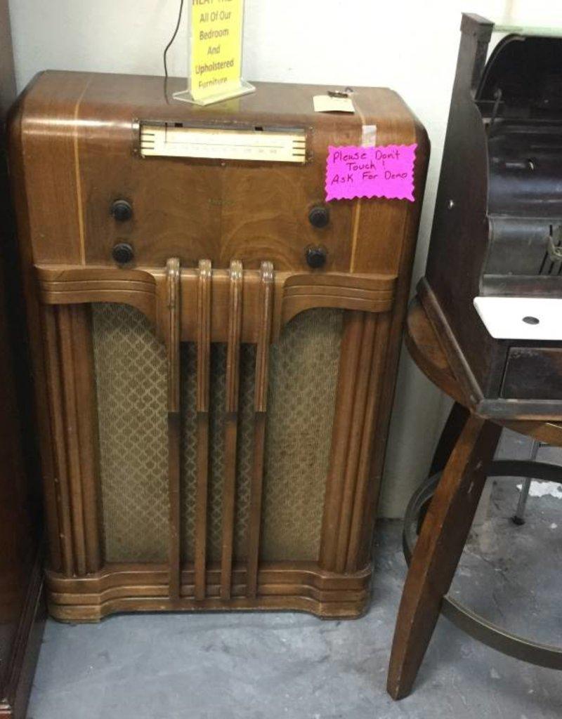 Antique AM Radio