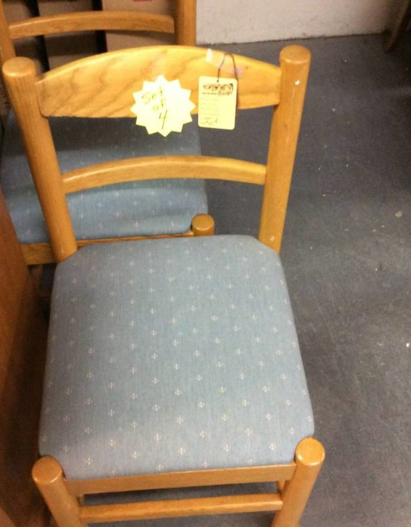 4 dining chairs oak and blue on castors