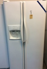 Refrigerator Frigidaire sidexside ice and water white