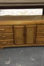 6 drawer , 2door dresser oak