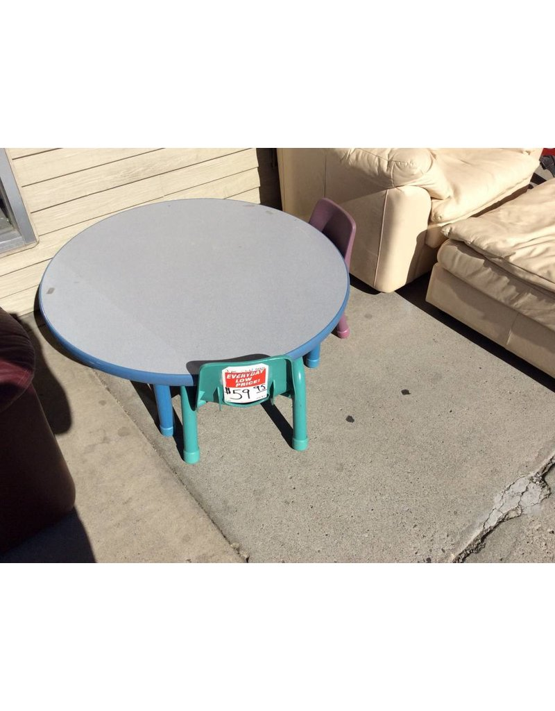 5 piece child's table