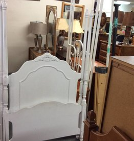 Twin bedstead 4 post white with matching wood rails