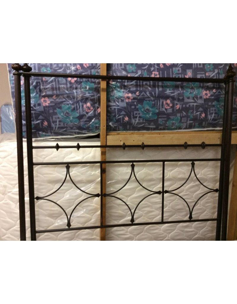 Queen canopy bedstead metal rail and slats