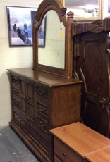 Large dresser oak with mirror