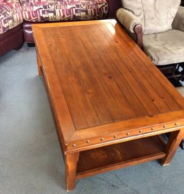 Coffee table pine with tacs