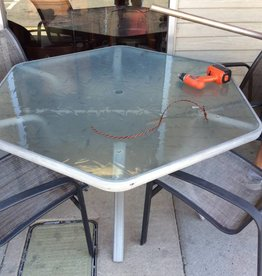 6 pc patio set octagon and glass with umbrella