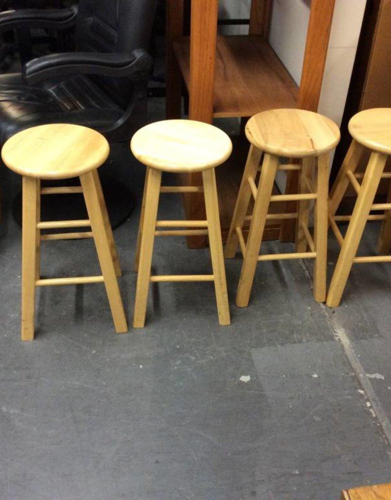 4 bar stools natural