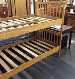 Youth Twin twin bunk bed oak