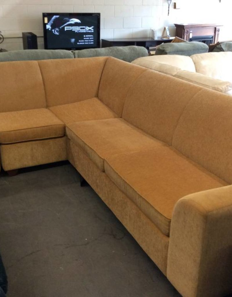 2 piece sectional / yellow with Queen hidebed
