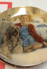 Decor plate girl and dog