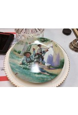 Decor plate boys painting fence
