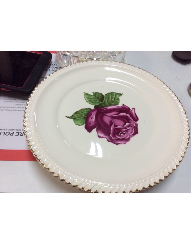 Decor plate with rose