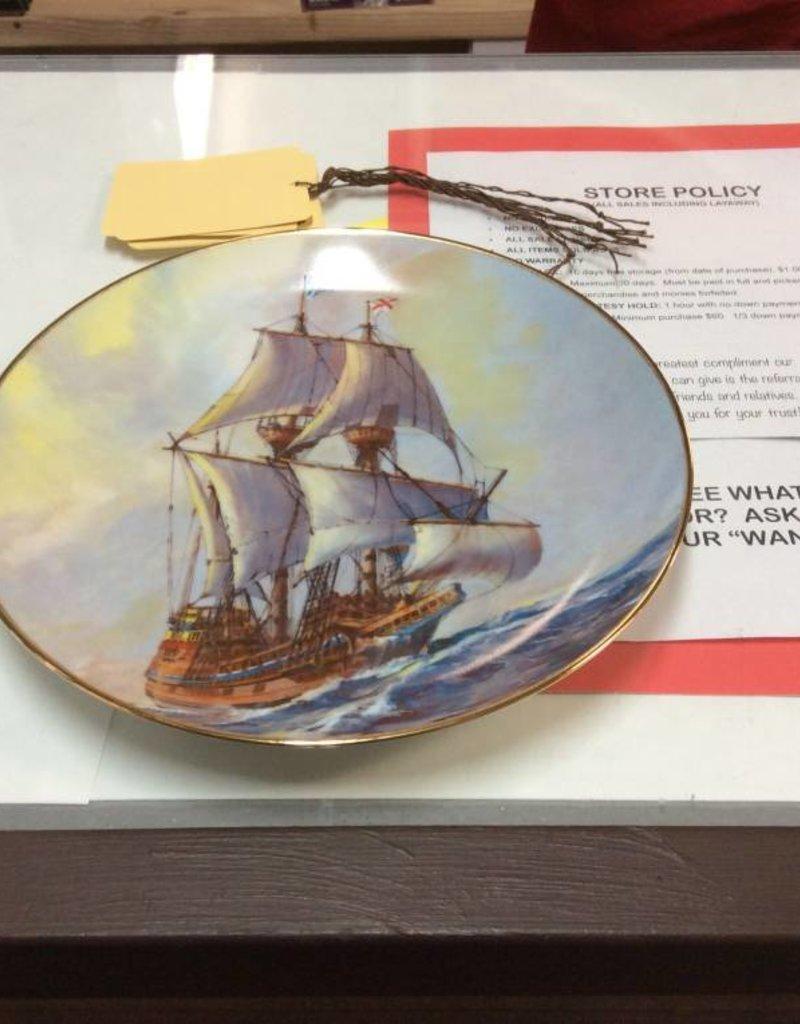 Decor plate British ship