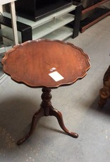 Antique end table / cherry