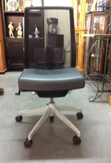 Office chair / silver base